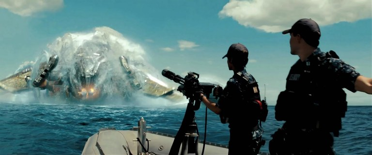 Battleship_Movie_Poster_Wallpaper_2