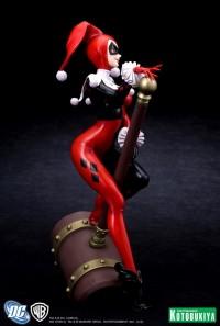 Harley-Quinn-Bishoujo-Statue-2_1334150517