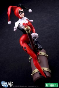 Harley-Quinn-Bishoujo-Statue-4_1334150517
