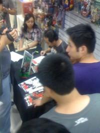 pagulayan-hulk-signing-2