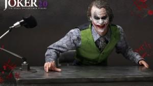 hot-toys-joker-the-dark-knight-heath-ledger-figure-1-600x450