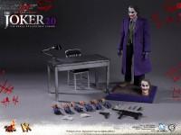 hot-toys-joker-the-dark-knight-heath-ledger-figure-11-600x450