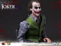 hot-toys-joker-the-dark-knight-heath-ledger-figure-19-600x450