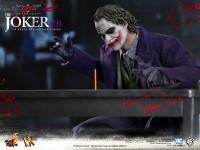 hot-toys-joker-the-dark-knight-heath-ledger-figure-2-600x450