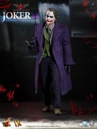 hot-toys-joker-the-dark-knight-heath-ledger-figure-23-450x600