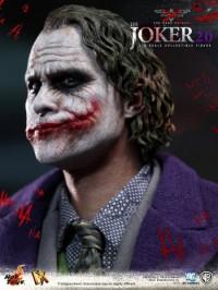 hot-toys-joker-the-dark-knight-heath-ledger-figure-6-450x600