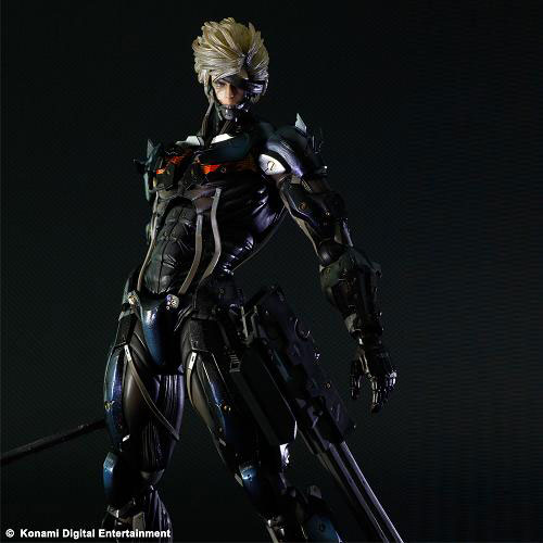 Play-Arts-Kai-Metal-Gear-Rising-Revengeance-Raiden-002_1350910513