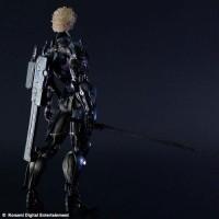 Play-Arts-Kai-Metal-Gear-Rising-Revengeance-Raiden-003_1350910513