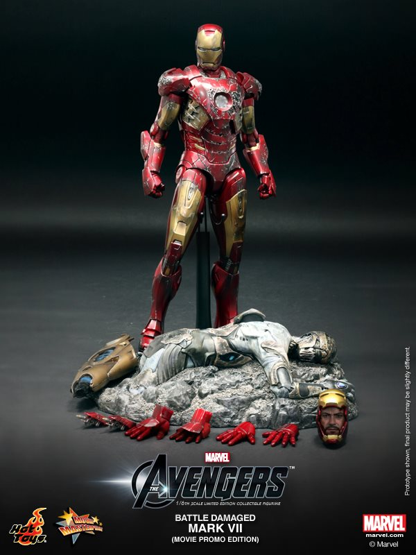 Hot-Toys-Battle-Damaged-Iron-Man-Mark-VII-010