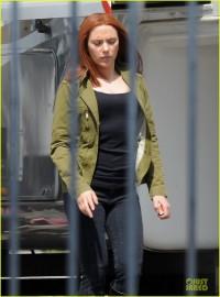 scarlett-johannson-red-hair-on-captain-america-the-winter-soldier-set-10