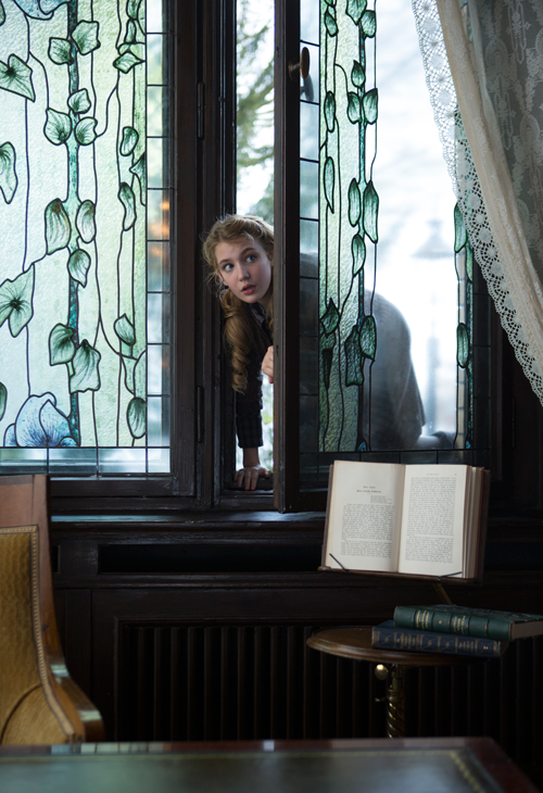 sophie-nelisse-THE-BOOK-THIEF