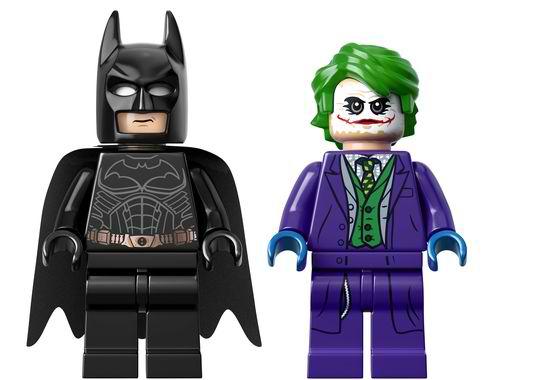 LEGO-Batman-Tumbler-1