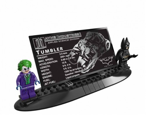 SDCC-2014-LEGO-Batman-Darknight-Tumbler5