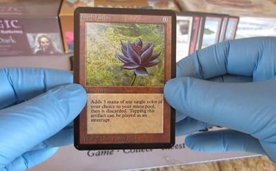 Black_Lotus_Magic_The_Gathering