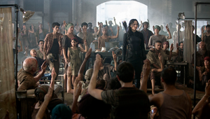 Katniss_Gale_Sitting_Clean-500