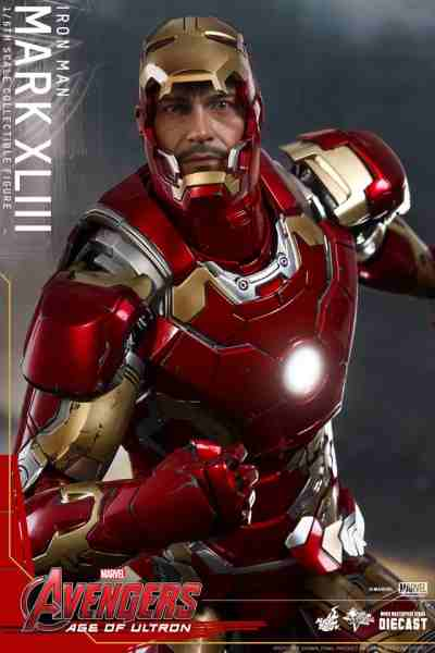 avengers-age-of-ultron-iron-man-suit-hot-toys-11-400x600