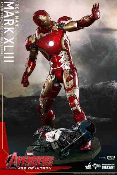 avengers-age-of-ultron-iron-man-suit-hot-toys-4-400x600