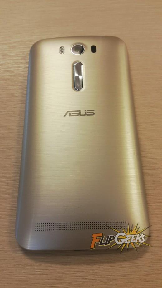 Asus-Zenfone2-Laser5-unboxing-2