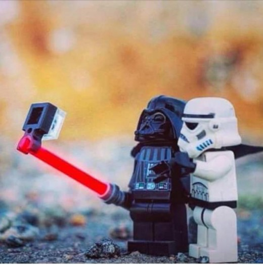 darth-vader-selfie-storm-trooper-force-awakens
