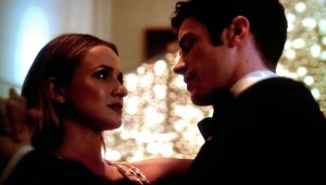 patty-and-barry-dance-at-an-art-gala-on-the-cw-show-the-flash