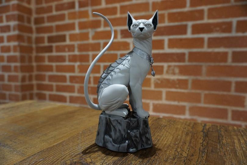 saga-lying-cat-01