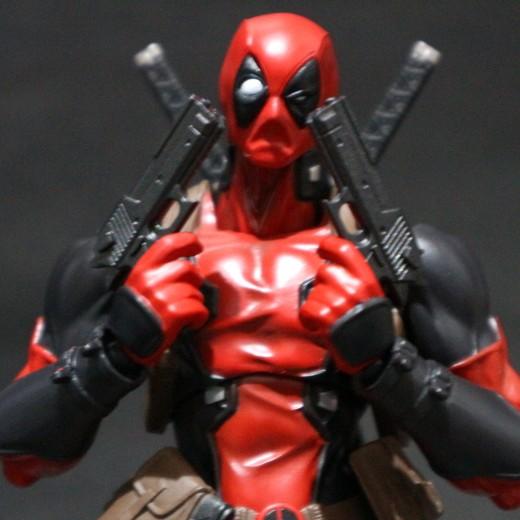Amazing-Yamaguchi-Deadpool-Revoltech