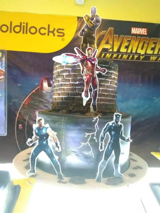 Avengers Cakes 4