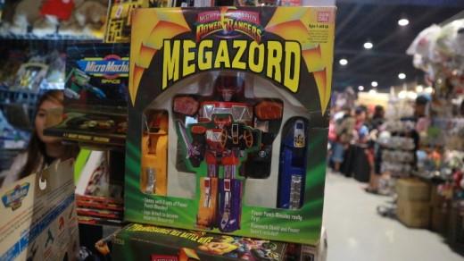 Toycon-MegaZord-FlipGeeks