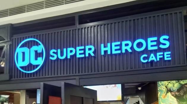 dc-super-heroes-cafe