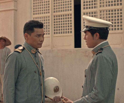 Aguinaldo gives orders to Del Pilar